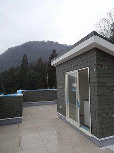 ■またまた屋上のあるお宅が完成間近か!