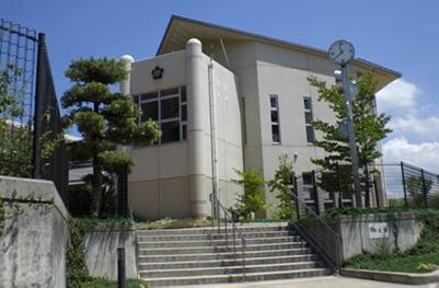 日根野中学校